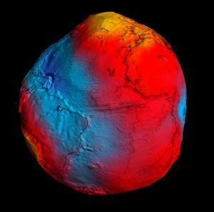Gambar 2. Bumi mirip kentang, gambaran model geoid terkini berdasarkan data-data medan gravitasi Bumi hasil observasi satelit GOCE. Sumber: Spaceflight101.com, 2013.