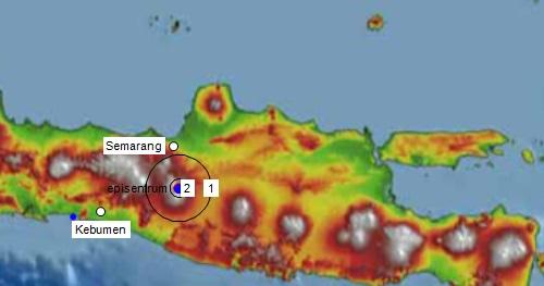 Gambar 4. Simulasi intensitas getaran yang dihasilkan oleh Gempa Sumogawe terhadap lingkungan sekitarnya. Angka-angka 2 dan 1 masing-masing menunjukkan radius getaran berintensitas 2 MMI dan 1 MMI terhitung dari episentrum. Secara teoritis getaran yang disebabkan oleh Gempa Sumogawe sejatinya tidak berpotensi merusak bangunan. Sumber: Sudibyo, 2014.
