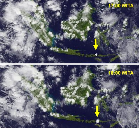 Gambar 5. Letusan Sangeang Api dalam dua jam pertamanya, diabadikan oleh satelit cuaca Himawari (MTSAT-2) milik Badan Meteorologi Jepang dalam kanal inframerah. Pada pukul 17:00 WITA nampak titik putih mendekati sferis muncul di atas lokasi Sangeang Api (panah kuning), sebagai pertanda puncak kolom letusan sudah membumbung tinggi dan mulai melebar membentuk awan payung/jamur raksasa. Sejam kemudian (pukul 18:00 WITA) awan debu vulkanik yang sama telah melebar dan mulai bergeser ke arah timur-tenggara. Sumber: JMA, 2014.