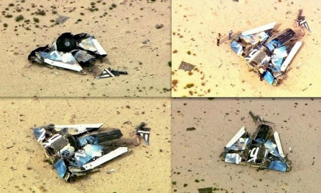 Gambar 5. Reruntuhan badan pesawat ulang-alik sub-orbital SpaceShipTwo (VSS Enterprise) di lantai Gurun Mojave, California (Amerika Serikat) dalam kondisi hancur dan terbalik. Reruntuhan pesawat eksperimental ini terserak di area sepanjang 8 kilometer. Sumber: Shuttle Almanac, 2014.