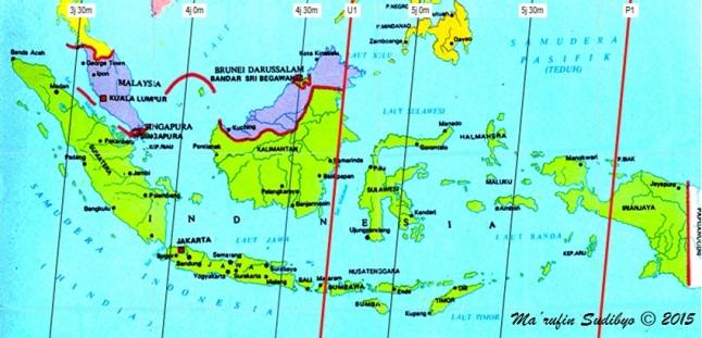 """Gambar 5. Peta durasi-tampak Gerhana Bulan Total 4 April 2015 untuk Indonesia. Gerhana Bulan ini sebenarnya memiliki durasi 5 jam 56 menit, terhitung dari kontak awal hingga kontak akhir penumbra. Namun dengan Bulan dalam proses terbit di Indoensia saat gerhana terjadi, maka durasi-tampak gerhana terhitung dari terbitnya Bulan hingga kontak akhir penumbra menjadi berbeda-beda dari satu lokasi ke lokasi lain. Garis-garis dalam peta ini menghubungkan titik-titik yang memiliki durasi-tampak yang sama. Angka 5j 30m bermakna """"durasi-tampak 5 jam 30 menit."""" Sumber: Sudibyo, 2015."""