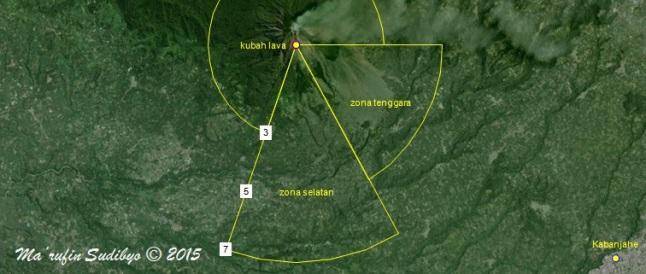 Gambar 2. Estimasi kawasan terlarang Gunung Sinabung semenjak dinyatakan berstatus Awas (Level IV) per 2 Juni 2015 TU. Nampak sektor selatan dan sektor tenggara lebih jauh ketimbang sektor-sektor lainnya. Angka-angka 3, 5 dan 7 masing-masing menunjukkan jarak mendatar sebesar 3, 5 dan 7 kilometer dari puncak. Sumber: Sudibyo, 2015 dengan basis Google Maps dan data PVMBG.