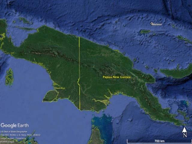 Gambar 1. Lokasi deteksi cahaya meteor 9 Januari 2014 di lepas pantai utara Pulau Irian. Peta yang berbasis Google Earth dikombinasikan dengan data Sistem Data Astrofisika NASA.